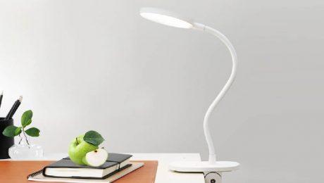 چراغ مطالعه برای چشم مضر است یا مفید